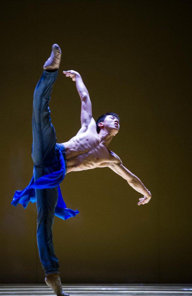 "4. W.Chen, ""rituals from another when"" by J.Godani, Ballet Zurich 2017 © C.Quezada"