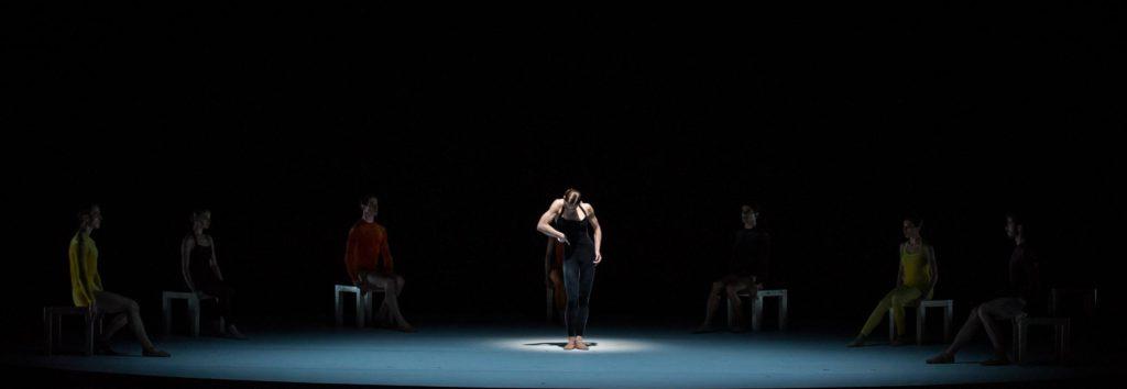 "5. K.Wünsche and ensemble, ""Kammerballett"" by H.van Manen, Ballet Zurich 2017 © C.Quezada"