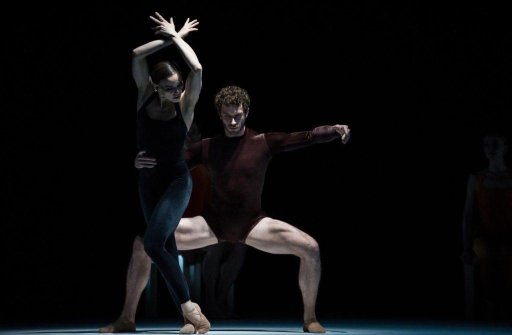 "8. K.Wünsche and W.Moore, ""Kammerballett"" by H.van Manen, Ballet Zurich 2017 © C.Quezada"