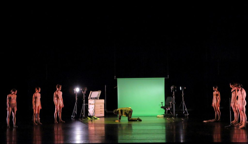 "19. N.Losada and ensemble, ""Discovery"" by A.Kaydanovskiy, Bavarian State Ballet 2017 © W.Hösl"
