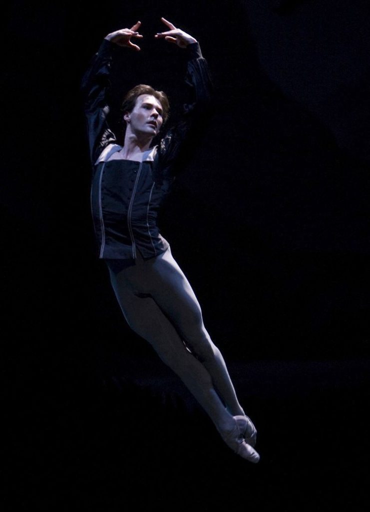 "36. J.Varga, ""Giselle"" by R.Beaujean and R.Bustamante, Dutch National Ballet © A.Sterling"