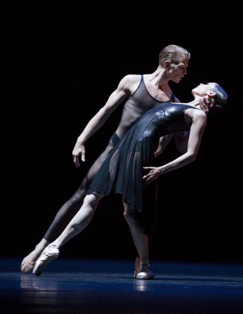 "12. M.Rademaker and I.de Jongh, ""Two Pieces For HET"" by H.van Manen, Dutch National Ballet © A.Sterling"