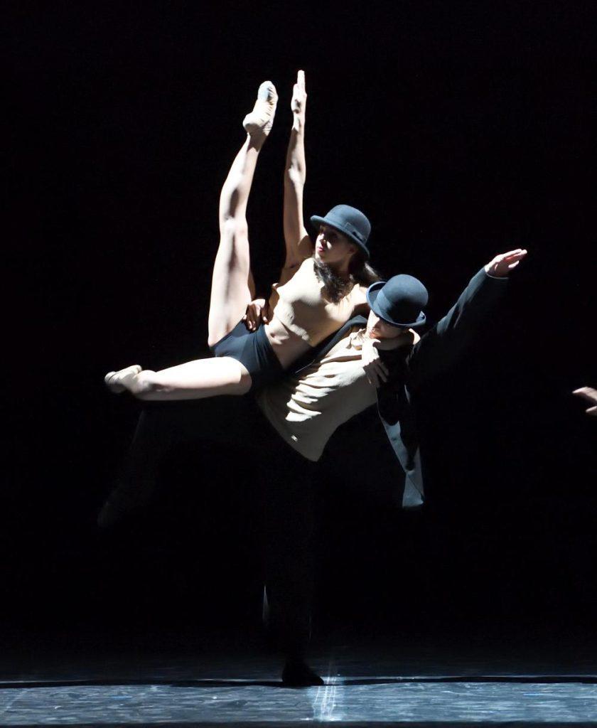 "1. A.Pernão and S.Pompignoli, ""Alrededor No Hay Nada"" by G.Montero, John Cranko School © Stuttgart Ballet"