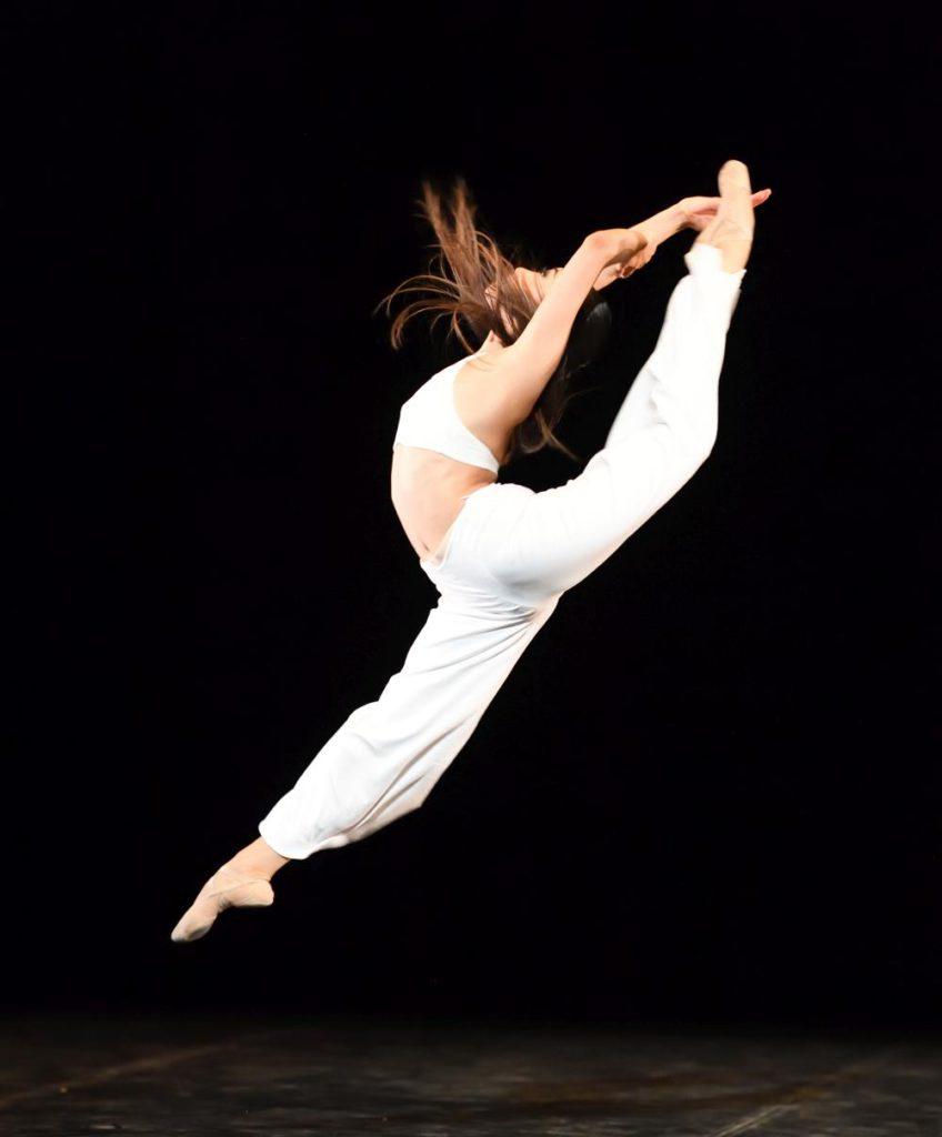 """3. M.Woo, """"Porto Que Sinto"""" by C.Antunes Moreíra, John Cranko School © Stuttgart Ballet"""