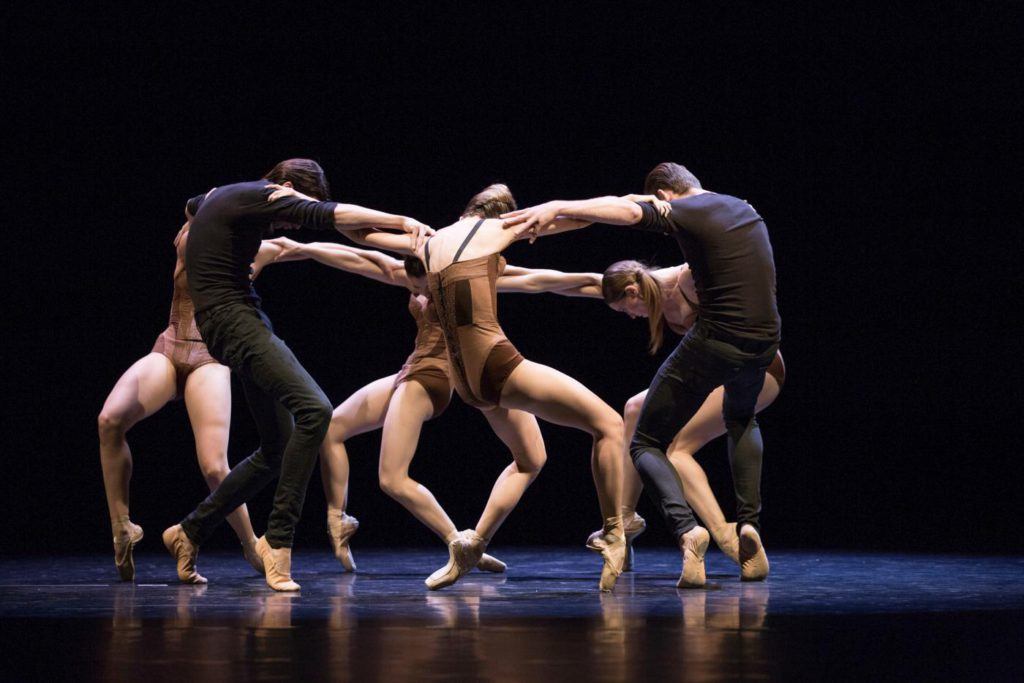 "13. Ensemble, ""Edge of Reason"" by C.Nzerem, Ballett am Rhein © G.Weigelt"