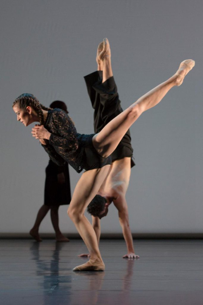 "7. N.Magalhães, B.Narnhammer and C.Andriot, ""Fourmis"" by S.Locsin, Ballett am Rhein © G.Weigelt"