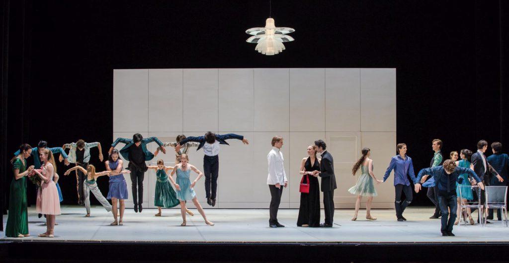"6. P.Friza, E.Mazoń, E.Revazov, A.Laudere, D.Franconi and ensemble, ""Anna Karenina"" by J.Neumeier, Hamburg Ballet © S.Ballone"