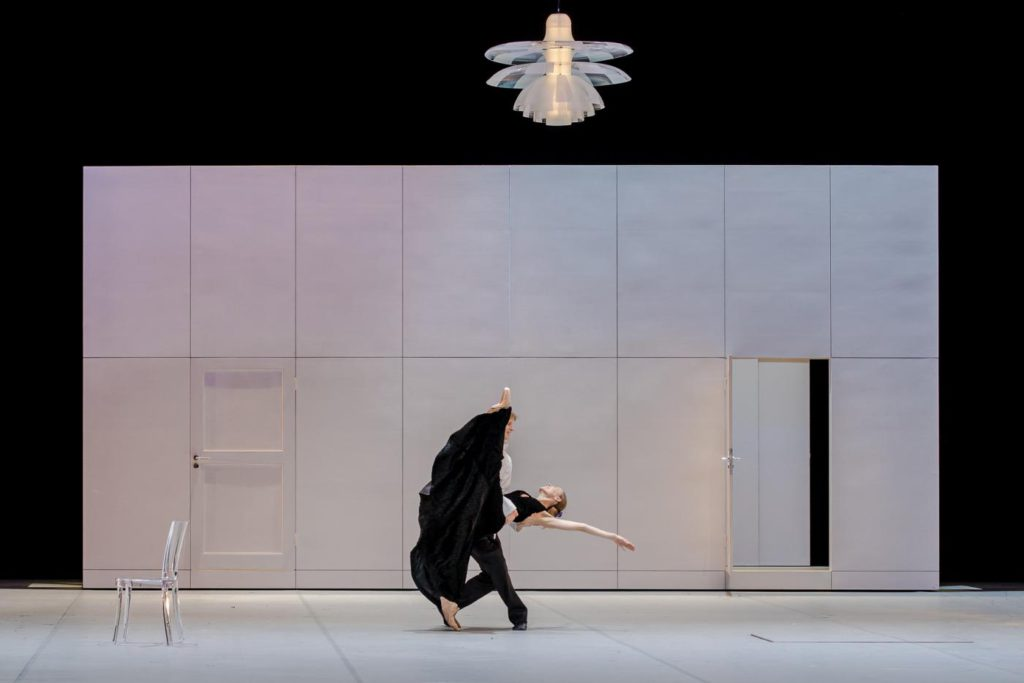 """7. A.Laudere and E.Revazov, """"Anna Karenina"""" by J.Neumeier, Hamburg Ballet © S.Ballone"""