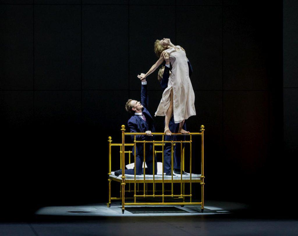 """16. I.Urban, A.Laudere and E.Revazov, """"Anna Karenina"""" by J.Neumeier, Hamburg Ballet © S.Ballone"""
