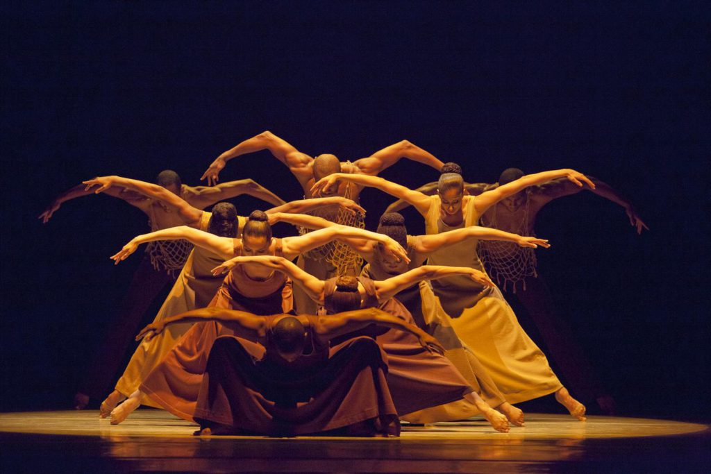 "9. Ensemble, ""Revelations"" by A.Ailey, Alvin Ailey American Dance Theater © G.Krautbauer"