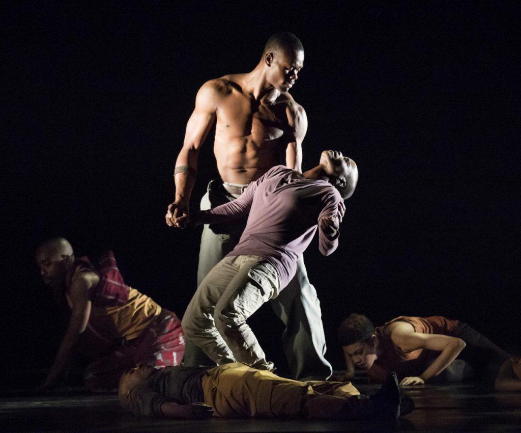"6. J.Roberts, H.Boykin and ensemble, ""Exodus"" by R.Harris, Alvin Ailey American Dance Theater © P.Kolnik"