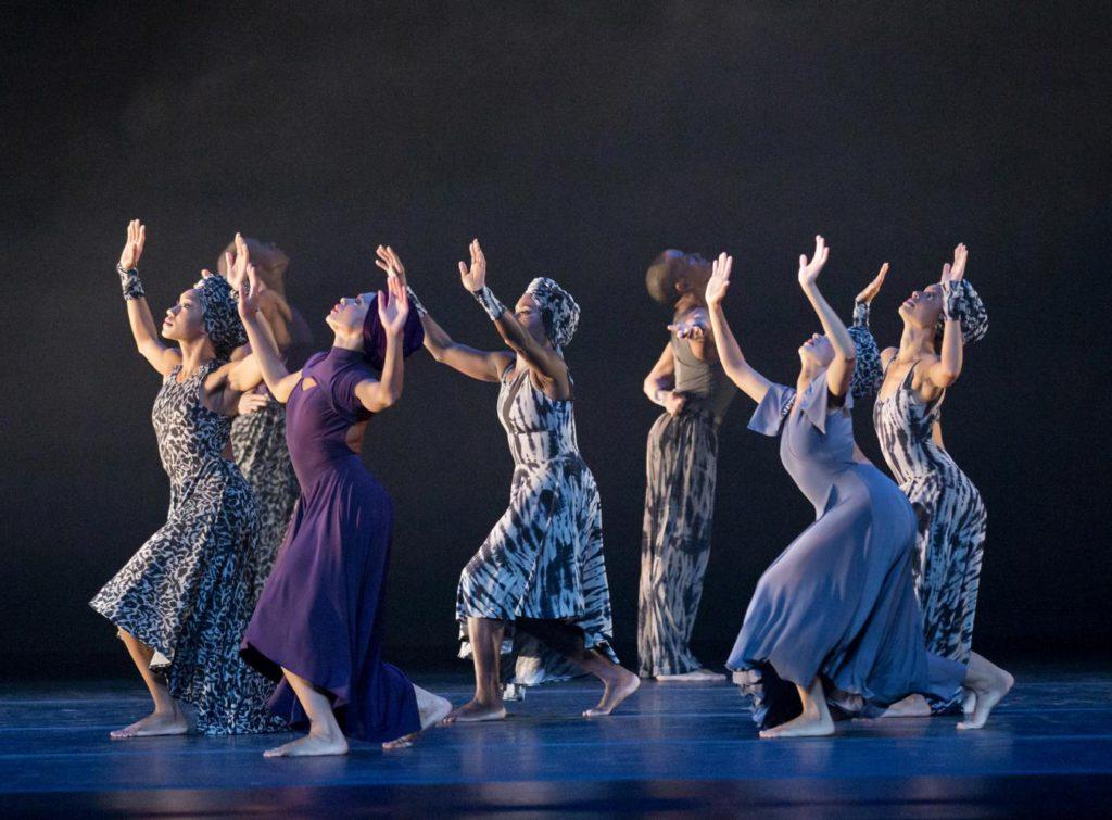 """4. Ensemble, """"Four Corners"""" by R.K. Brown, Alvin Ailey American Dance Theater © P.Kolnik"""