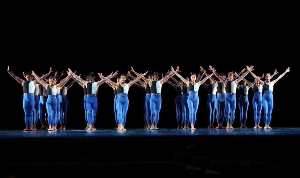"7. Ensemble, ""Symphonieën Der Nederlanden"" by H.van Manen, Dutch National Ballet 2017© H.Gerritsen"