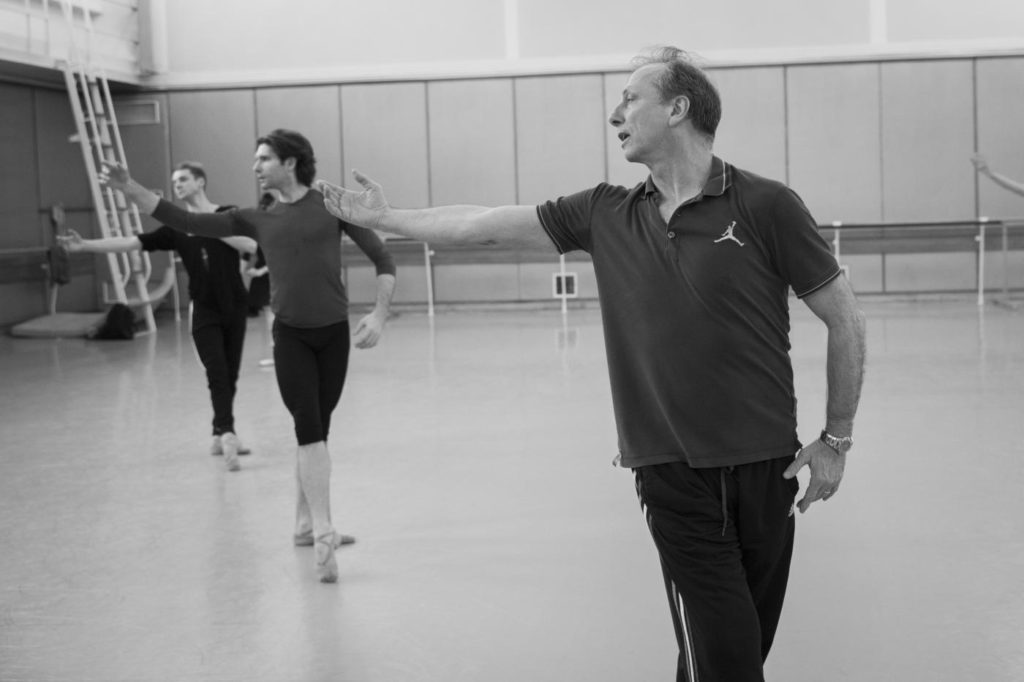 2. K.Pastor, V.Yaroshenko and M.Woitiul during a rehearsal, Polish National Ballet © E.Krasucka