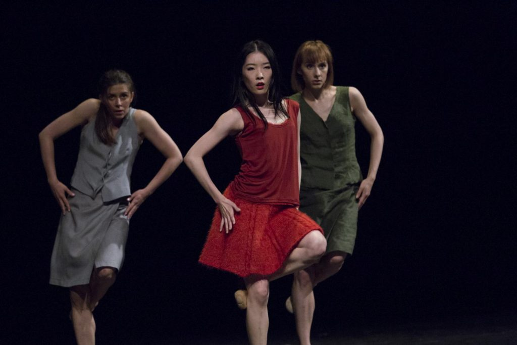 "5. A.Jankowska, Y.Kitano and N.Pasiut, ""Darkness"" by I.Weiss, Polish National Ballet 2017 © Polish National Ballet / E.Krasucka"