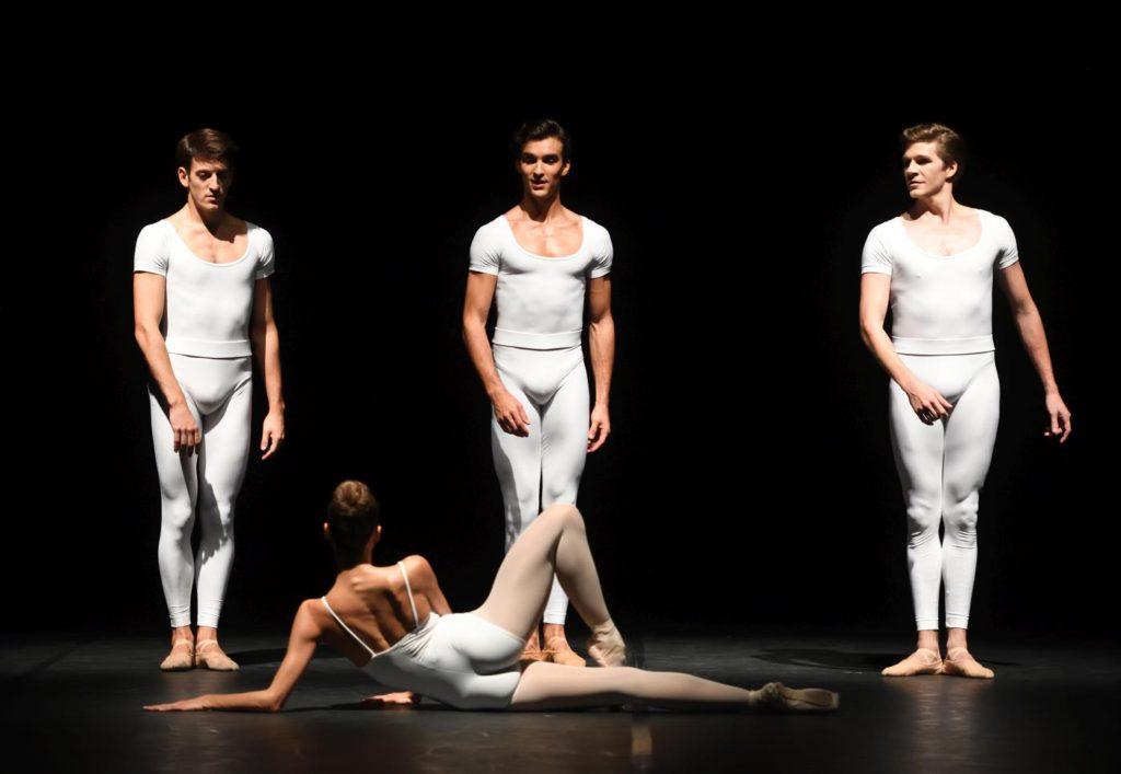 """5. R.Aleman, F.Adorisio, M.F.Paixà and M.Crockard-Villa, """"Brouillards"""" by J.Cranko, Stuttgart Ballet 2017 © Stuttgart Ballet"""