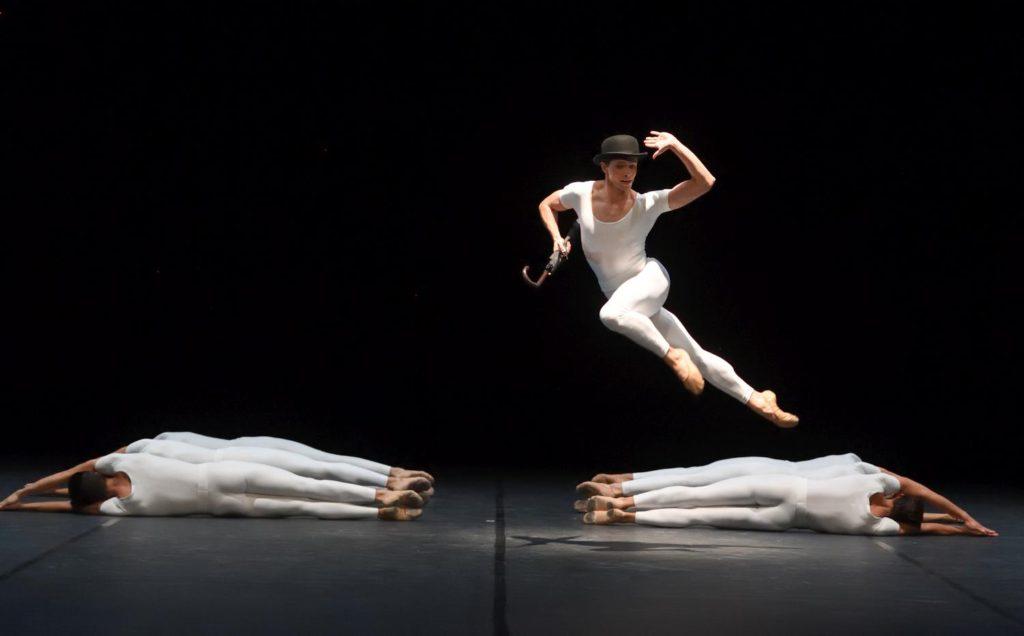 """8. L.Stiens and ensemble, """"Brouillards"""" by J.Cranko, Stuttgart Ballet 2017 © Stuttgart Ballet"""