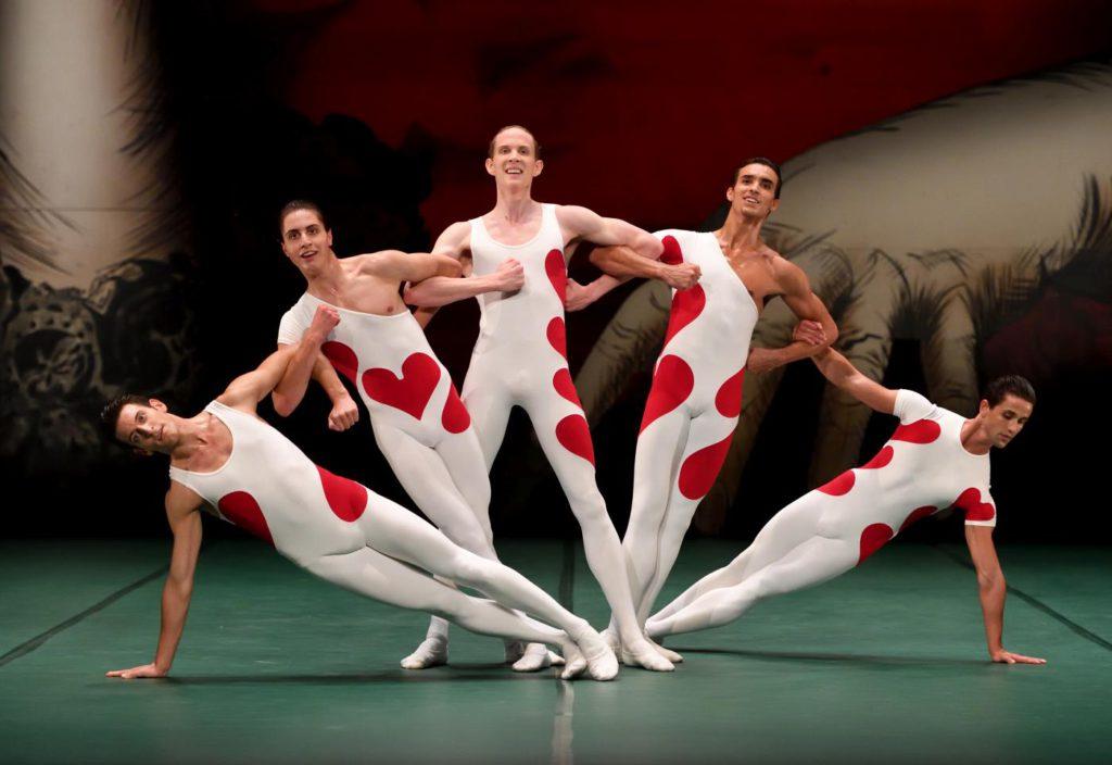 """13. F.Adorisio, T.Afshar, A.Gowan, M.F.Paixà and M.de Oliveira, """"Jeu de Cartes"""" by J.Cranko, Stuttgart Ballet 2017 © Stuttgart Ballet"""