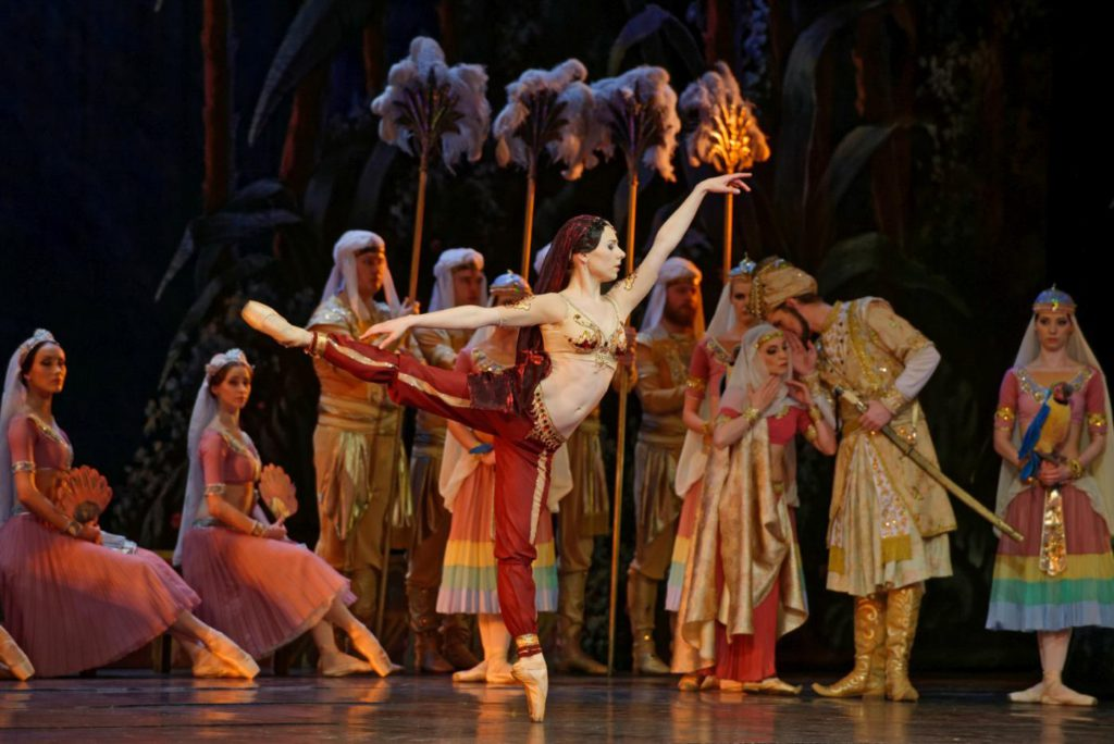 "33. K.Gudžiūnaitė and ensemble, ""La Bayadère"" by M.Petipa, Lithuanian National Opera and Ballet Theatre © Martynas Aleksa"