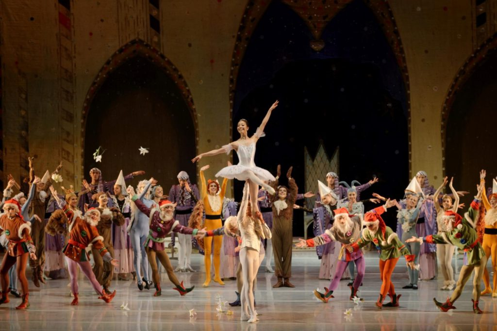 "25. H.Ohno, J.Laucius and ensemble, ""Snow White and the Seven Dwarfs"" by W.Borkowski, Lithuanian National Opera and Ballet Theatre © M.Aleksa"