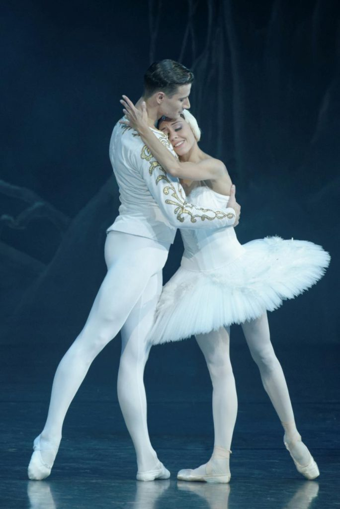 "37. J.Laucius and A.Čumakova, ""Swan Lake"" by M.Petipa and L.Ivanov, Lithuanian National Opera and Ballet Theatre © M.Aleksa"