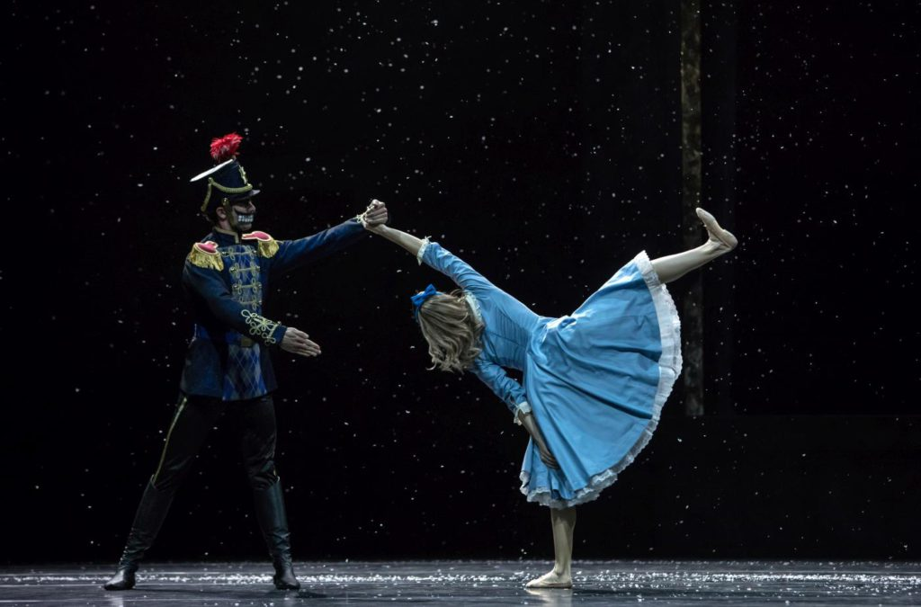 "11. W.Moore and M.Willems, ""Nutcracker and Mouse King"" by C.Spuck, Ballet Zurich 2017 © G.Batardon"