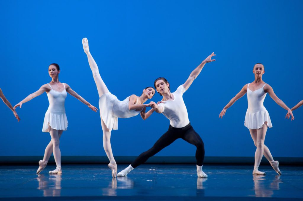 "11. M.Żuk, V.Yaroshenko and ensemble, ""Concerto Barocco"" by G.Balanchine, Polish National Ballet © E.Krasucka"