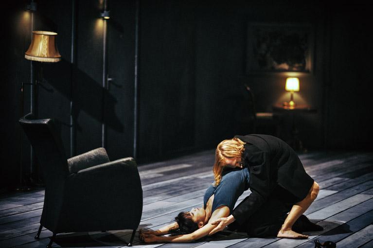 "14. Ensemble, ""The missing door"" by G.Carrizo, Nederlands Dans Theater 2017 © R.Rezvani"