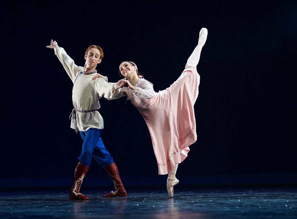 "2. M.Šust and A.Kramešová, ""The Snow Queen"" by M.Corder, Czech National Ballet © D.Wharton"