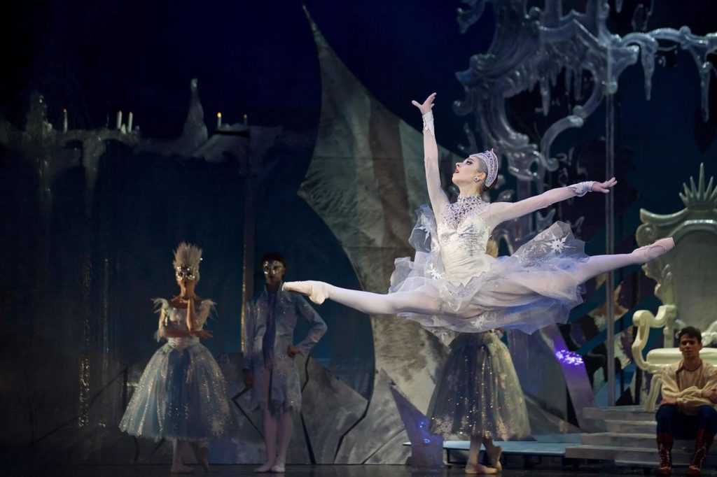 "1. A.Nanu and ensemble, ""The Snow Queen"" by M.Corder, Czech National Ballet © D.Wharton"
