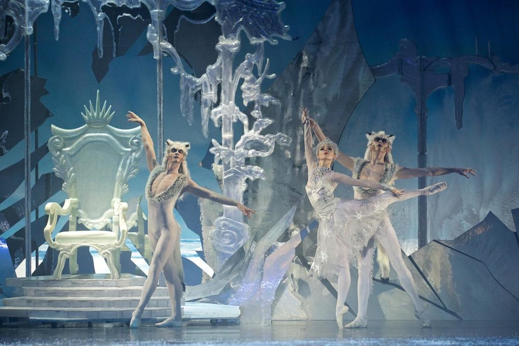 "10. M.Štípa, A.Nanu and M.Rouaux, ""The Snow Queen"" by M.Corder, Czech National Ballet © D.Wharton"