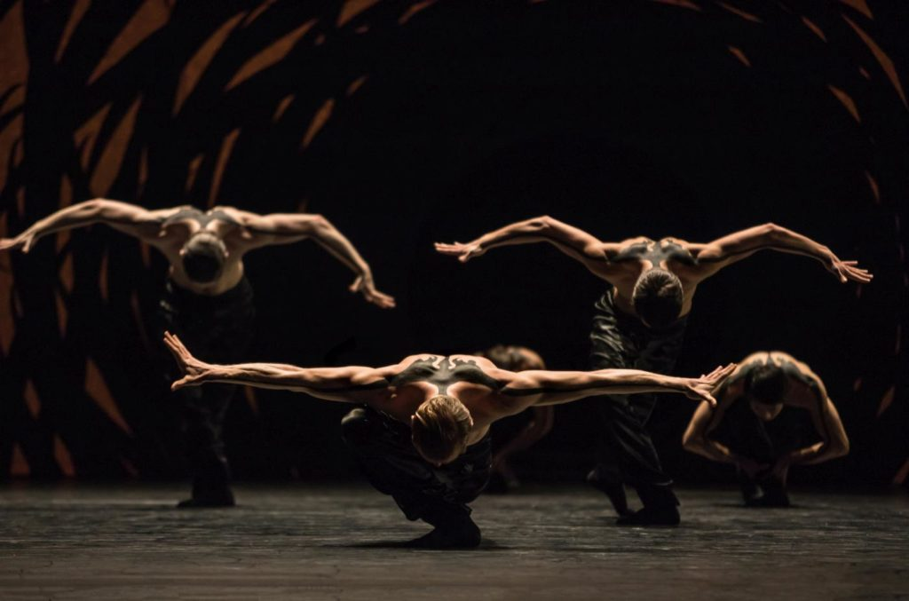 "8. Ensemble, ""Emergence"" by C.Pite, Ballet Zurich © G.Batardon"