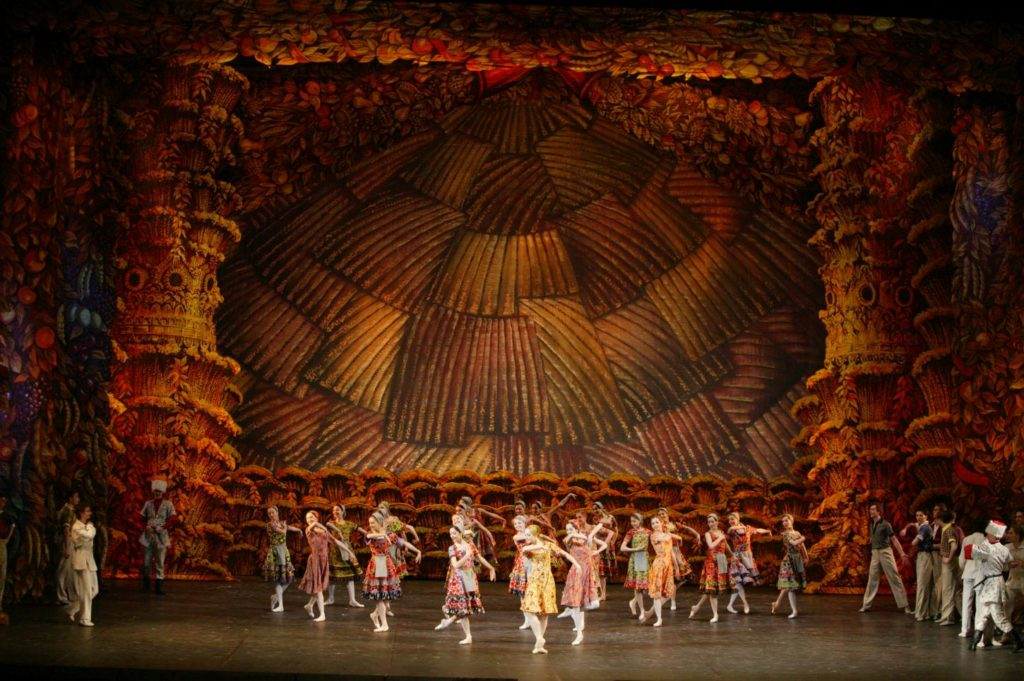 "10. Ensemble, ""The Bright Stream"" by A.Ratmansky, Bolshoi Ballet © Bolshoi Theatre / D.Yusupov"