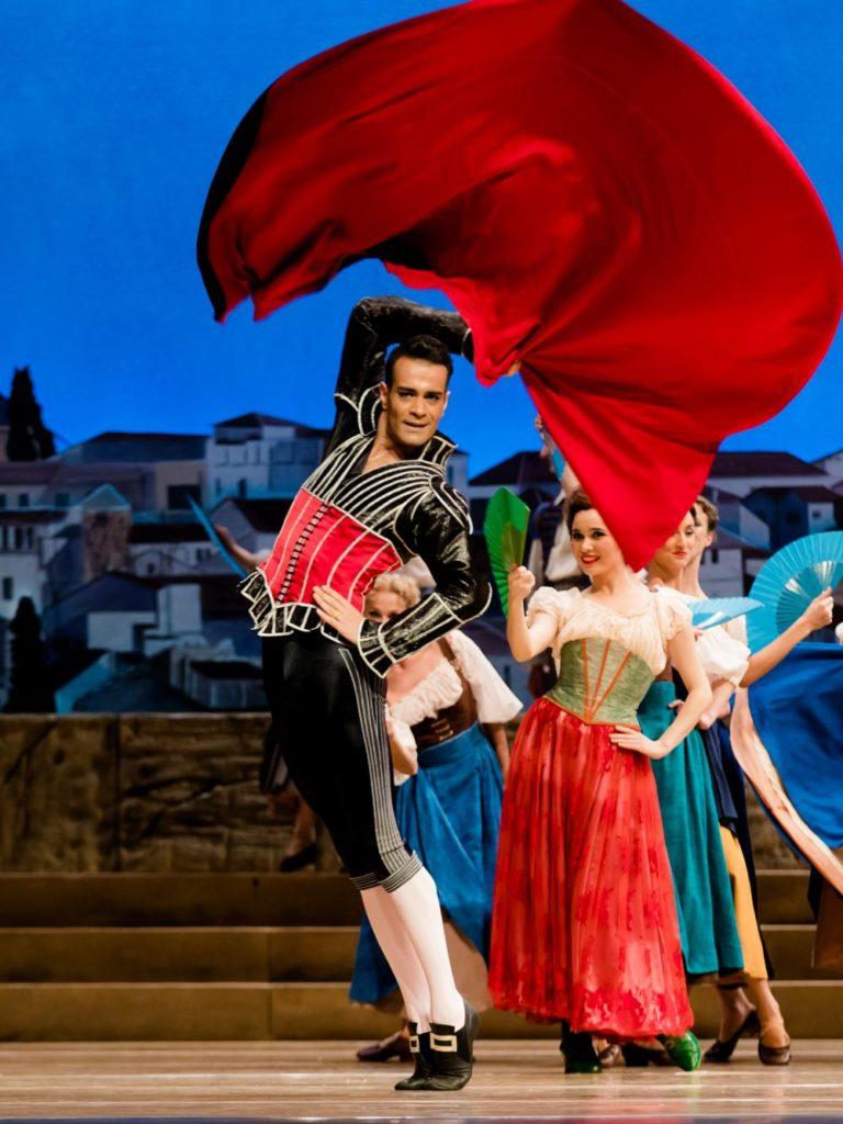 "3. V.Mazzeo and ensemble, ""Don Quixote"" by M.Petipa, A.Gorski and A.Ratmansky, Dutch National Ballet 2018 © A.Kaftira"