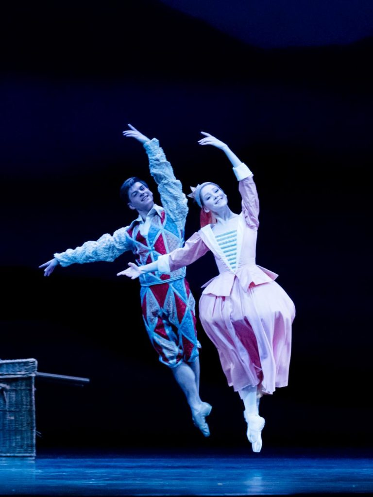 "9. E.Wijnen and E.Horwood, ""Don Quixote"" by M.Petipa, A.Gorski and A.Ratmansky, Dutch National Ballet 2018 © A.Kaftira"
