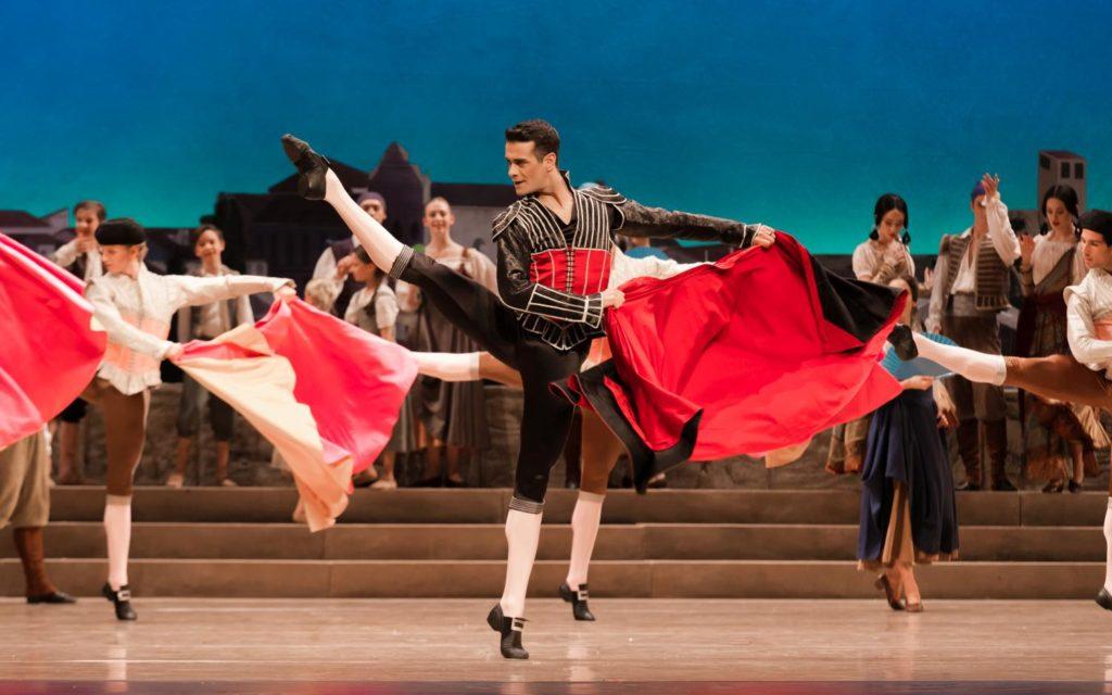 "4. V.Mazzeo and ensemble, ""Don Quixote"" by M.Petipa, A.Gorski and A.Ratmansky, Dutch National Ballet 2018 © A.Kaftira"