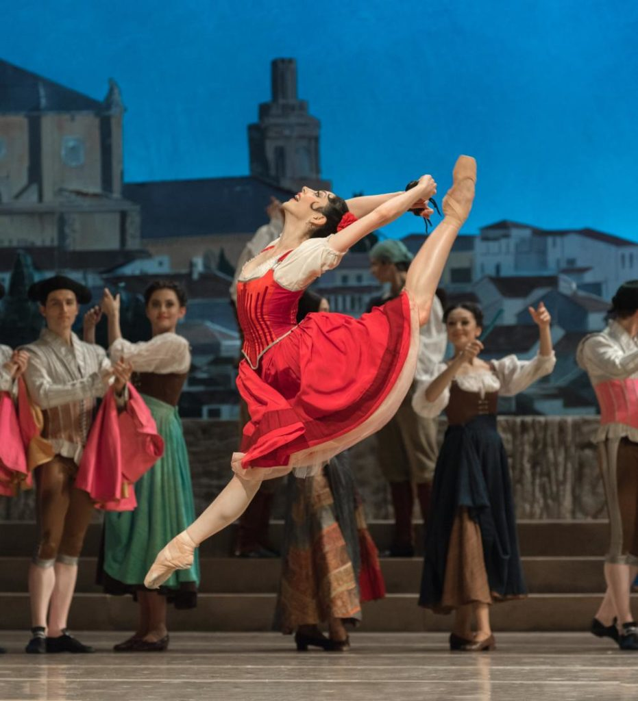 "2. M.Makhateli and ensemble, ""Don Quixote"" by M.Petipa, A.Gorski and A.Ratmansky, Dutch National Ballet 2018 © M.Haegeman"