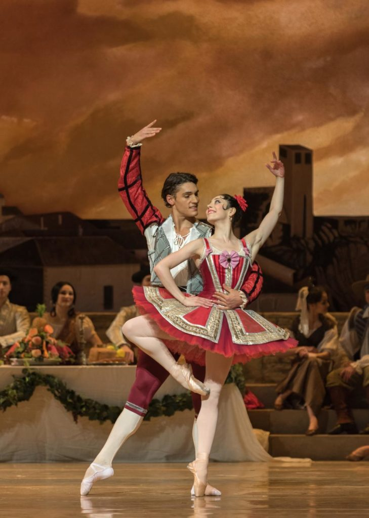 "22. D.Camargo, M.Makhateli and ensemble, ""Don Quixote"" by M.Petipa, A.Gorski and A.Ratmansky, Dutch National Ballet 2018 © M.Haegeman"