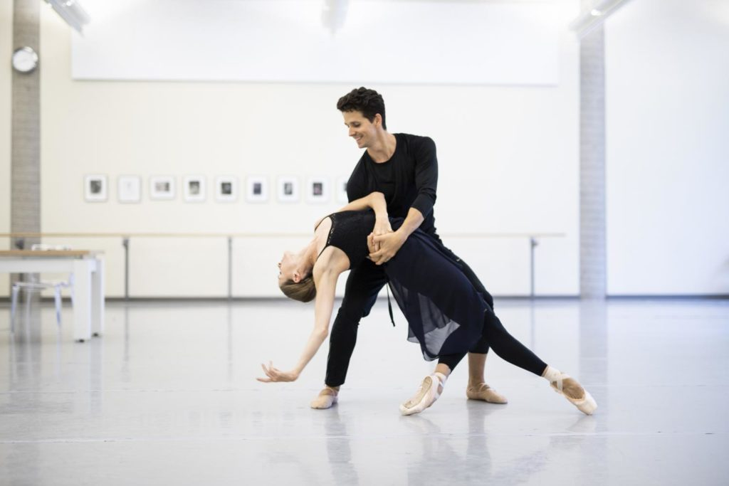 "6. H.Ogden and G.Côté rehearsing ""Anna Karenina"" by J.Neumeier, The National Ballet of Canada 2018 © The National Ballet of Canada / K.West"