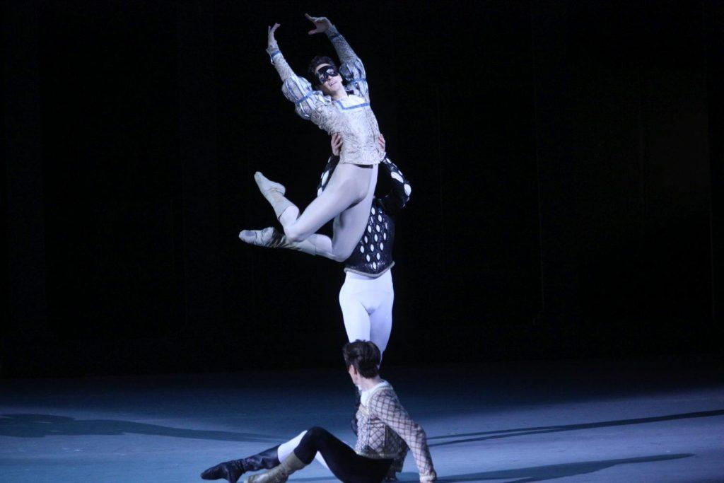 "5. M.Kochan, G.Côté and A.Savichev, ""Romeo and Juliet"" by A.Ratmansky, Bolshoi Ballet 2018 © Bolshoi Ballet / E.Fetisova"