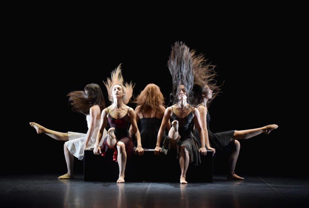 """1. Ensemble, """"La Fresque"""" by A.Preljocaj, Ballet Preljocaj 2019 © J.-C.Carbonne"""