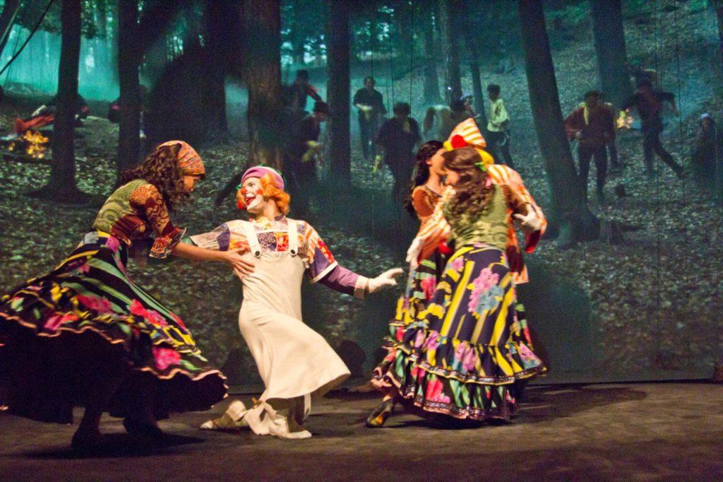 """2. Ensemble, """"Wonderful Circus"""" by K.Vrtiška, J.Hrabal, V.Jílek, J.Koníček and F.Pokorný, Laterna magika 2019 © M.Volf"""