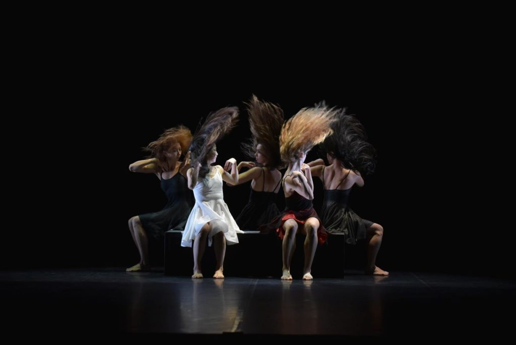 """3. Ensemble, """"La Fresque"""" by A.Preljocaj, Ballet Preljocaj 2019 © J.-C.Carbonne"""