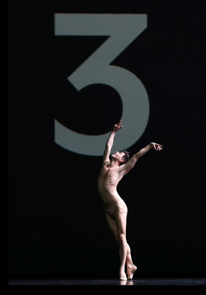 "2. E.Wijnen, ""Citizen Nowhere"" by D.Dawson, Dutch National Ballet 2019 © H.Gerritsen"