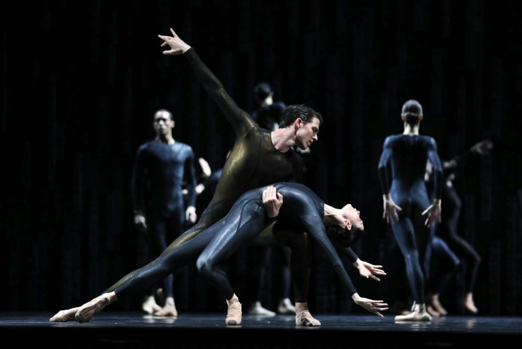 "9. J.Mao, M.ten Kortenaar and ensemble, ""Requiem"" by D.Dawson, Dutch National Ballet 2019 © H.Gerritsen"