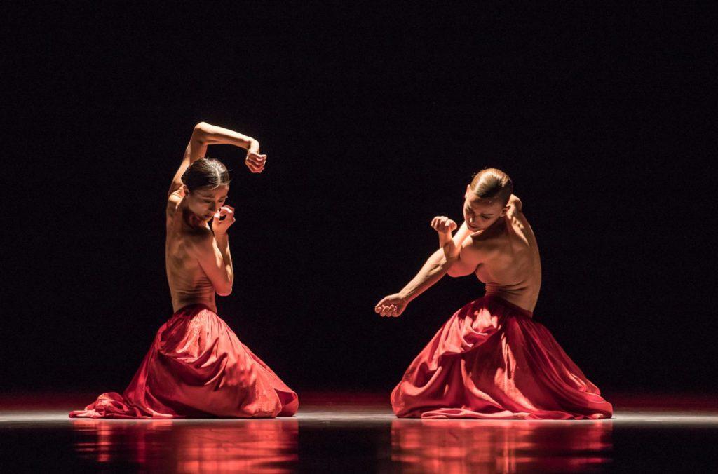 "1. Y.Han and K.Wünsche, ""Bella Figura"" by J.Kylán, Ballet Zurich 2019 © G.Bartadon"