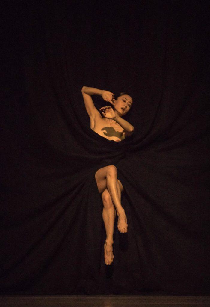 """3. Y.Han, """"Bella Figura"""" by J.Kylán, Ballet Zurich 2019 © G.Bartadon"""