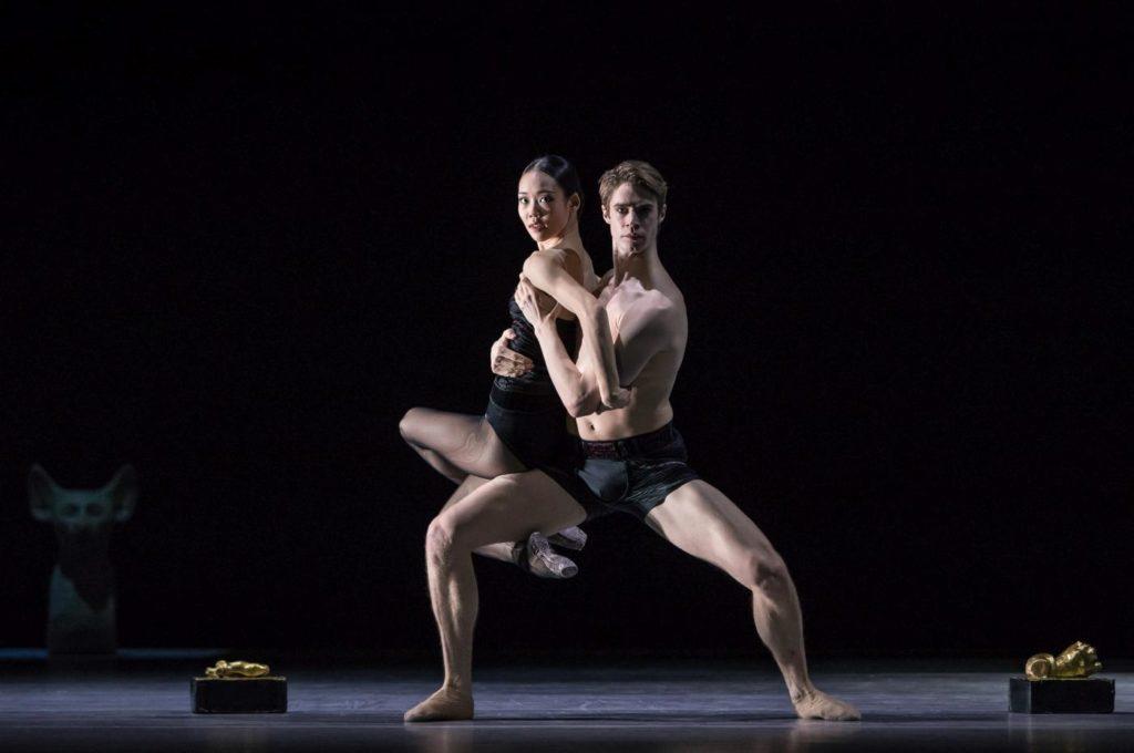 "7. S.Lim and J.Fraser, ""Stepping Stones"" by J.Kylán, Ballet Zurich 2019 © G.Bartadon"