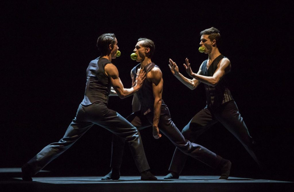 "13. A.Jones, D.Slavkovský and J.Casier, ""Sweet Dreams"" by J.Kylán, Ballet Zurich 2019 © G.Bartadon"