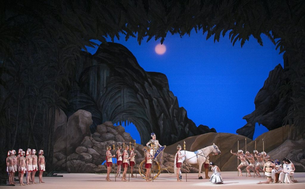 "7. Ensemble, ""La Fille du Pharaon"" by P. Lacotte, Bolshoi Ballet 2019 © Bolshoi Ballet / D. Yusupov"